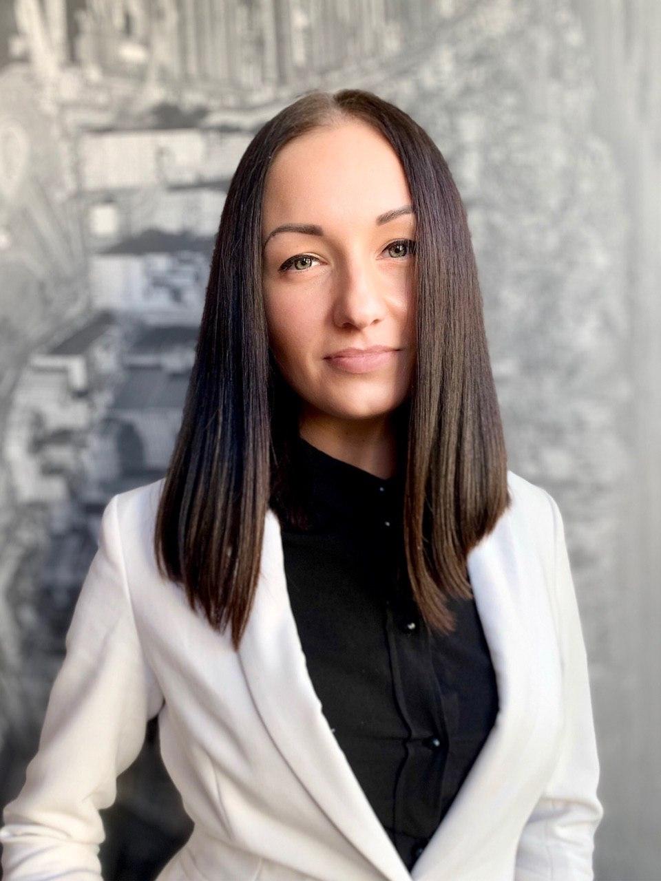 Соколовская Елена